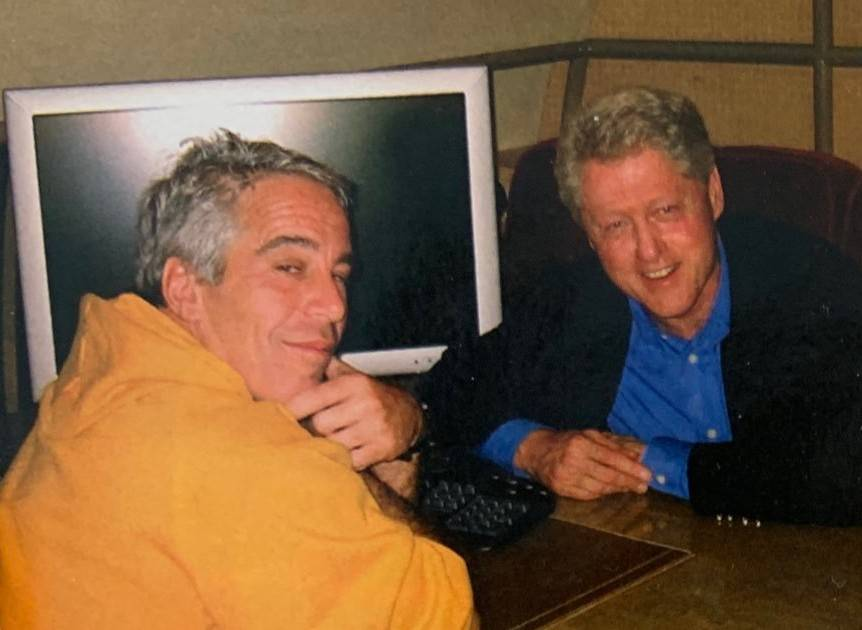 Bill Clinton being chill with Epstein.jpg