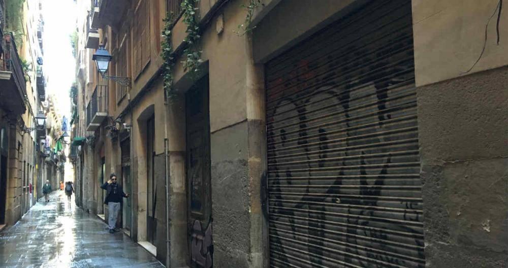 calle-del-barrio-gotico-de-barcelona-ma_11_1000x528.jpeg