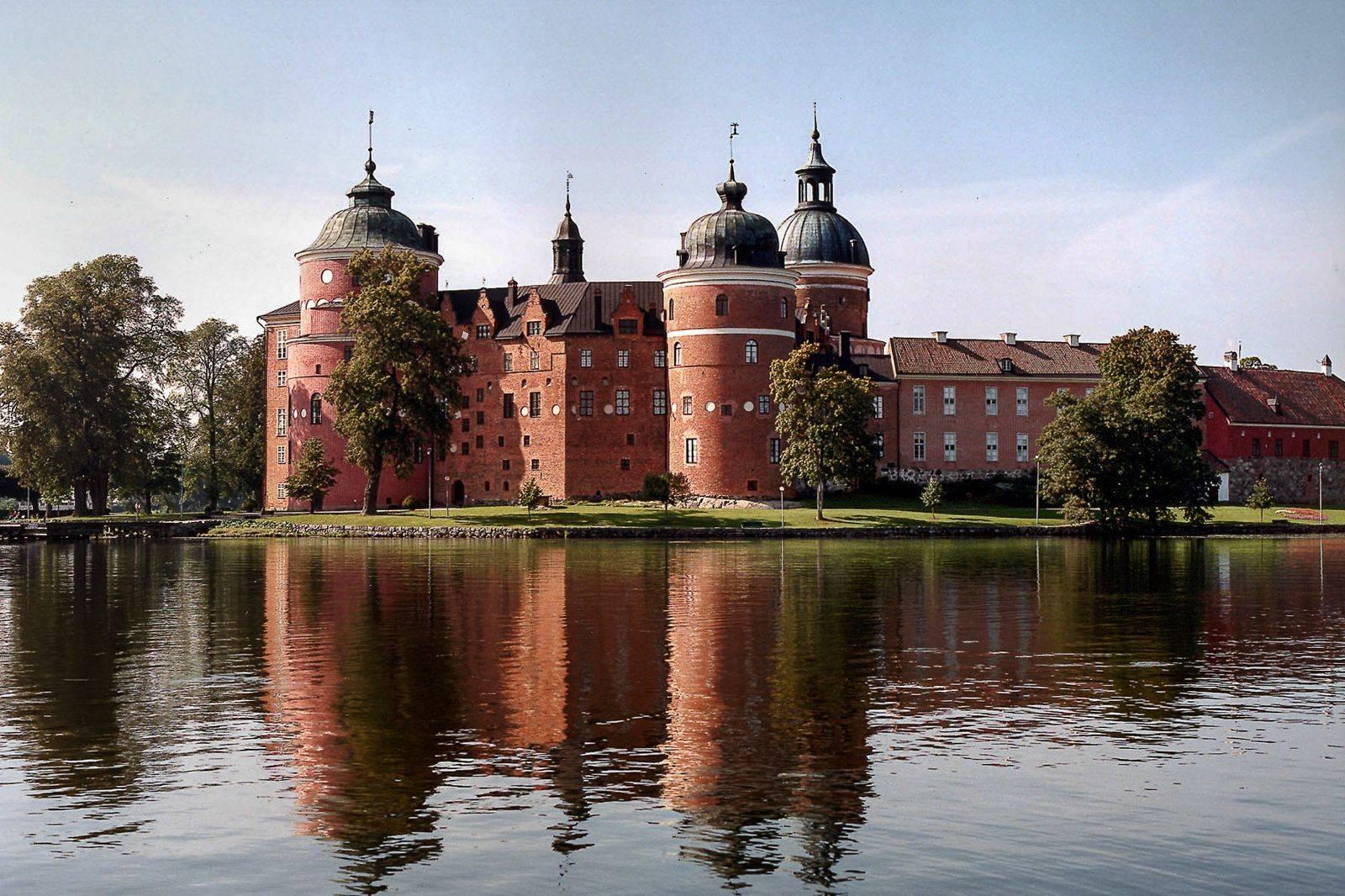 Castles-In-Sweden-Visit_-11.jpg