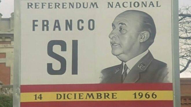 Franco-eslogan-campana-referendum-dictadura_1403869603_15955503_660x371.jpg