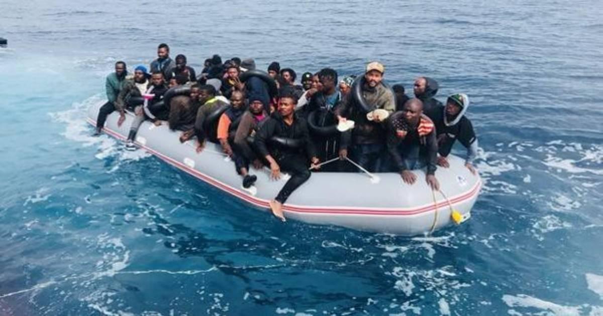 inmigrantes-patera-andalucia-ktO--1200x630@abc.jpg