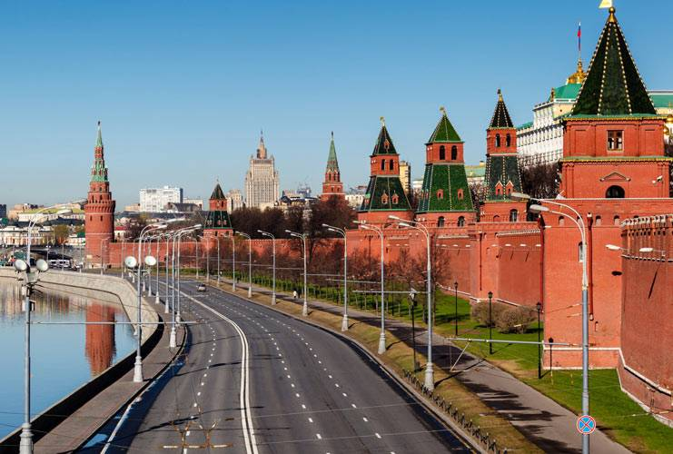 Kremlin-Walls-and-Towers-1.jpg