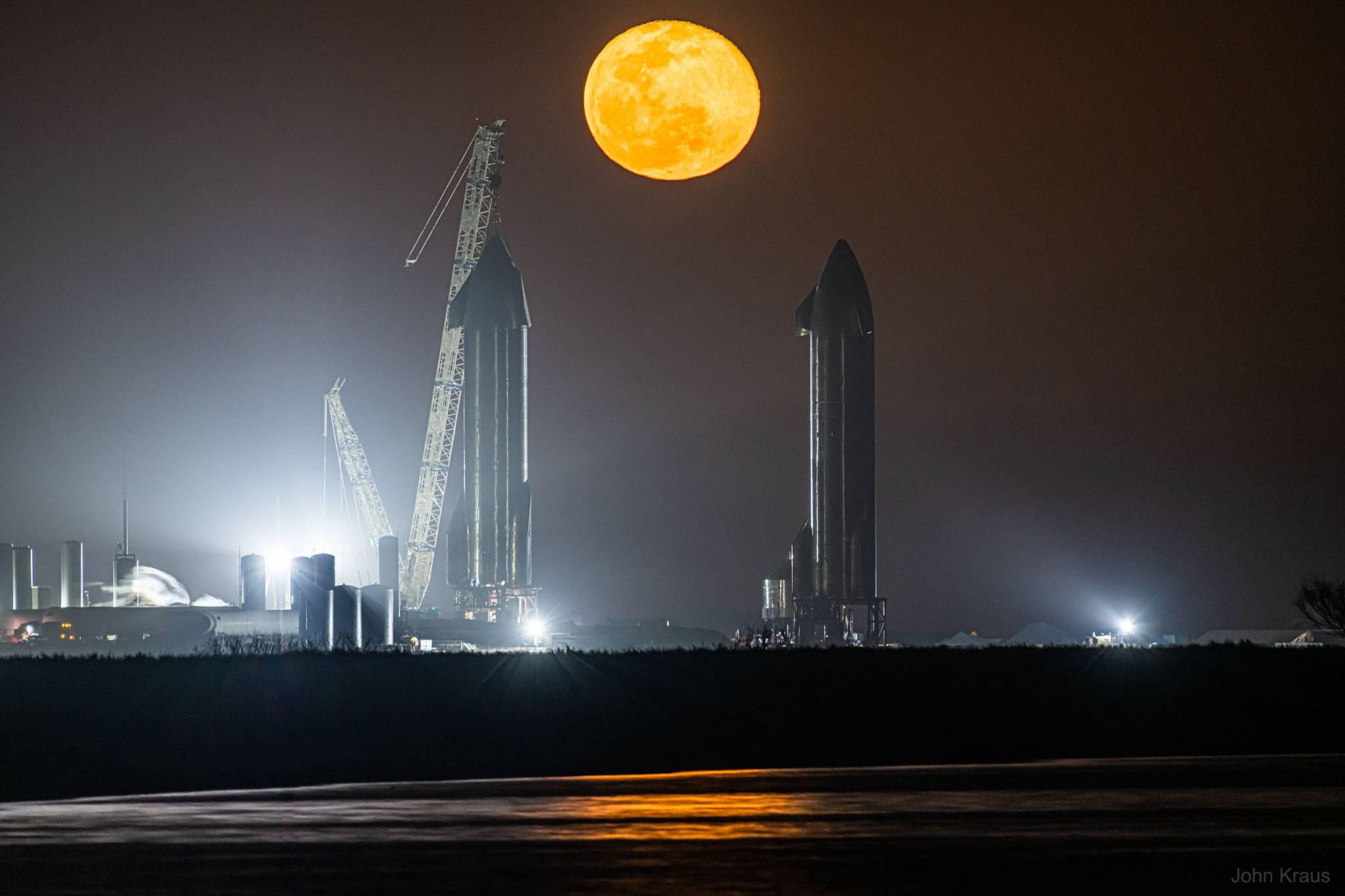 StarshipsMoon_Kraus_2048.jpg