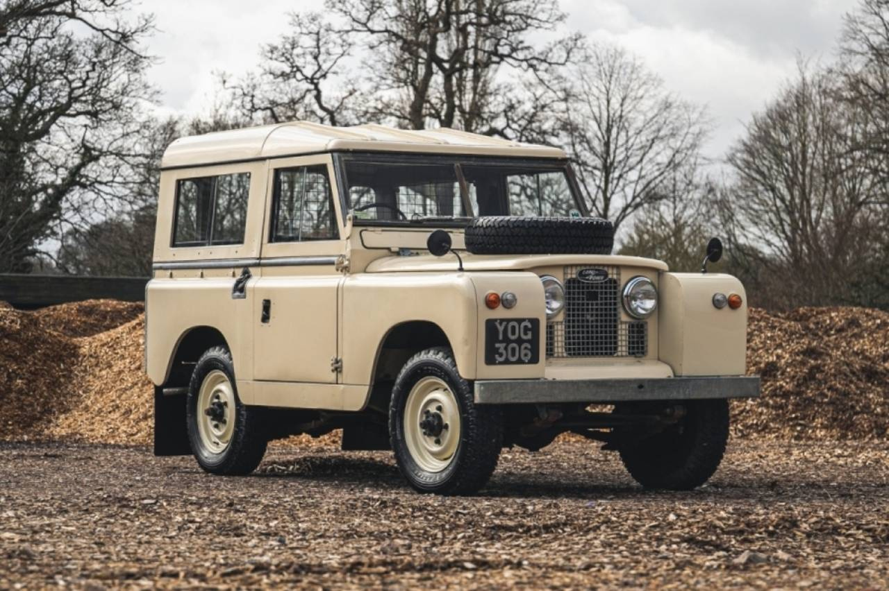 subasta-Land-Rover-y-Range-Rover-1958.jpg